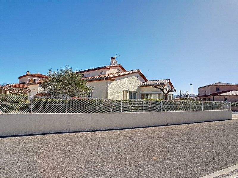 Maison neuve Saint-jean-pla-de-corts - à Acheter à Saint-jean-pla-de-corts (66) :villa Avec Piscine