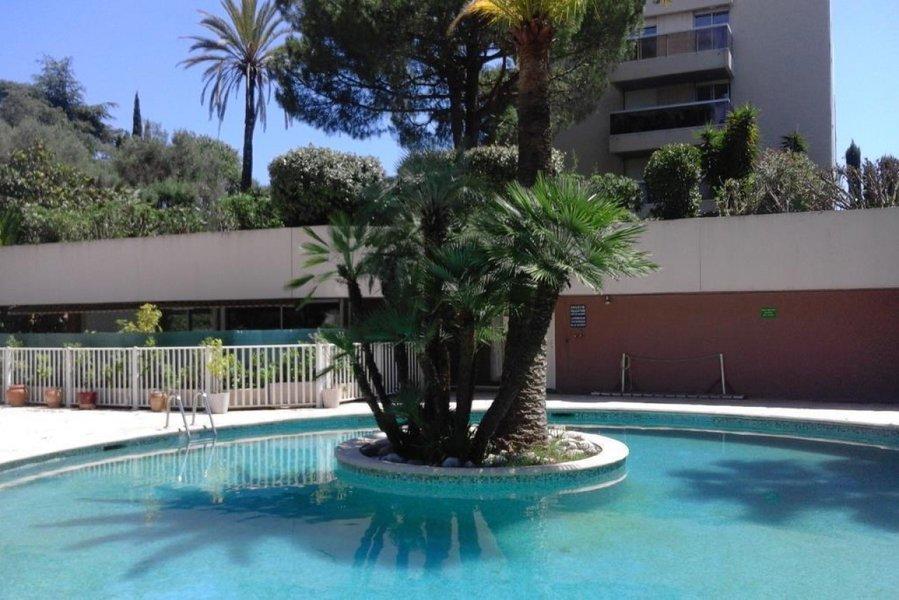 Appartement neuf Antibes - Agréable Studio Avec Terrasse Dans Résidence Avec Piscine Et Tennis